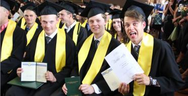 Diplomų įteikimas